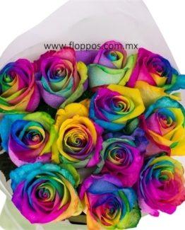 12 ROSAS ARCOIRIS EN PAPEL